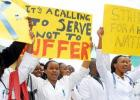 Kenyan nurses on strike for higher wages and better working conditions